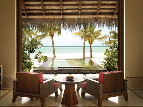 Bedroom Suite at Reethi Rah five star resort