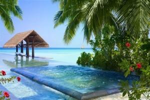 The Pool at Reethi Rah Villa Beach