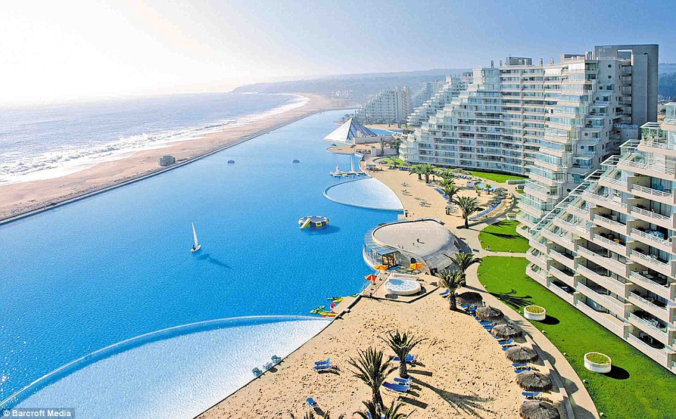 World's Largest Pool 1