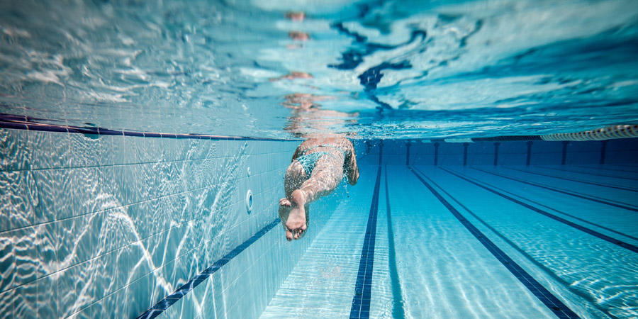 intermediate_swim_workout_improve_kicks